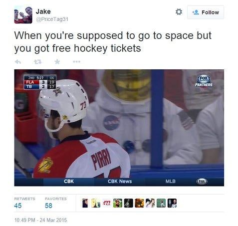 astronaut-tweet