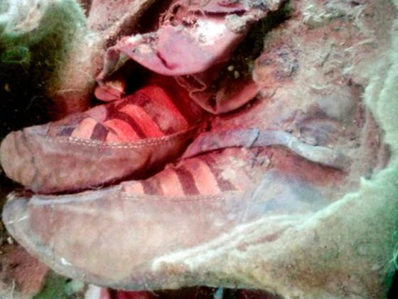 People Are Saying This 1,500 Year Old Mummy Is Wearing Adidas Shoes And That It's Proof Of Time Travel