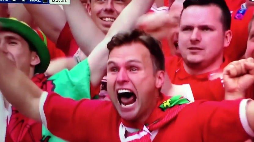 welsh-soccer-fan4