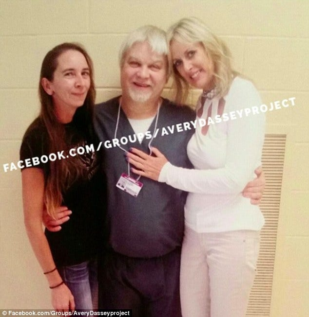 389CAD3700000578-3800262-Avery_with_his_cousin_Carla_Chase_left_and_new_fianc_e_Lynn_Hart-a-8_1474652260839