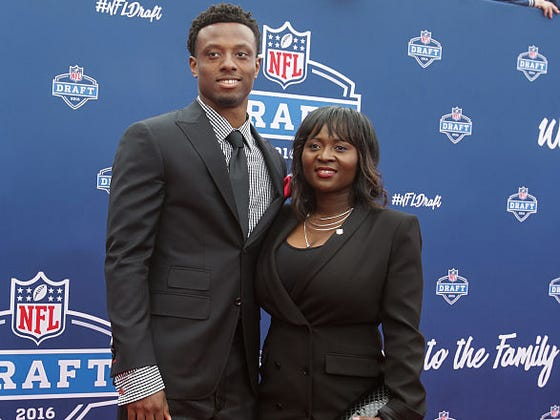 "Annie Apple Accused The Giants Of Wanting Eli Apple To ""Control Her"" After Her Comments Regarding The Josh Brown Situation"