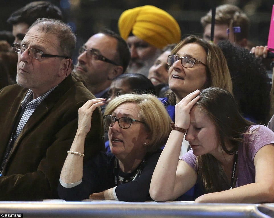 3A31ECD600000578-3918838-Distraught_Several_supporters_appeared_distraught_as_Clinton_s_p-a-35_1478667626495