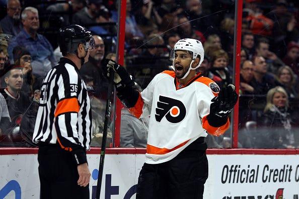NHL: DEC 01 Flyers at Senators