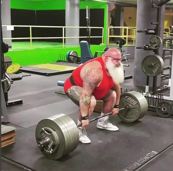 santa-weightlifting
