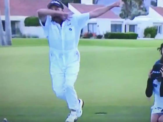 Just An Unreal Dab From This LPGA Caddy
