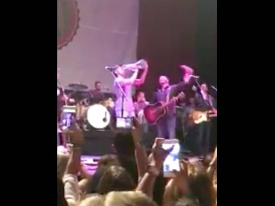 Jordan Spieth Hops On Stage At A Dallas Concert And Chugs Out Of The Claret Jug Some More