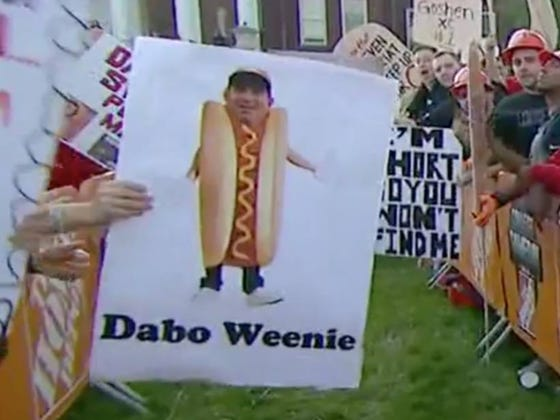 Best GameDay Signs LIVE From Louisville