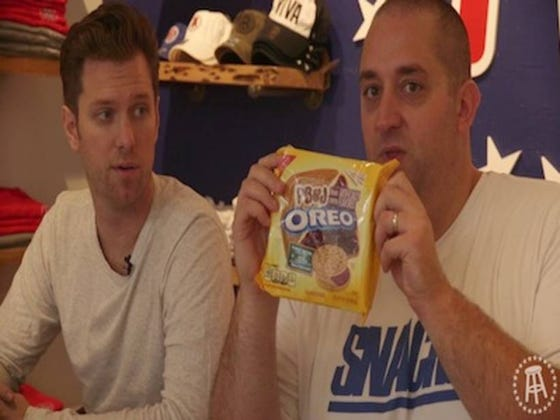 Snackin' Off — PB&J Oreos