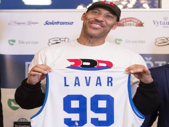 LaVar Ball Pulled LiAngelo And LaMelo Ball Off Of Their Lithuanian Basketball Team And They Will Be Heading Back To The States Next Week
