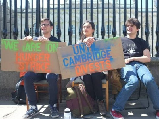 """College Students End Hunger Strike Over Fossil Fuels Early Because Parents Were """"Worried"""""""