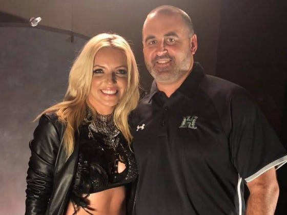 Hawaii Coach Nick Rolovich Hired A Britney Spears Impersonator To Follow Him Around At Mountain West Media Days