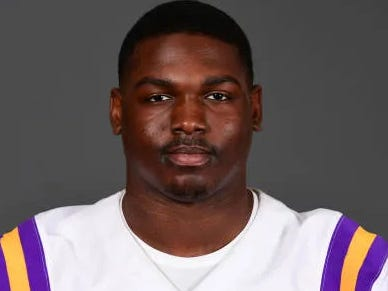 LSU DE Claims Key To Gaining 30 Pounds Is Walking Around Campus With Bricks In Your Backpack