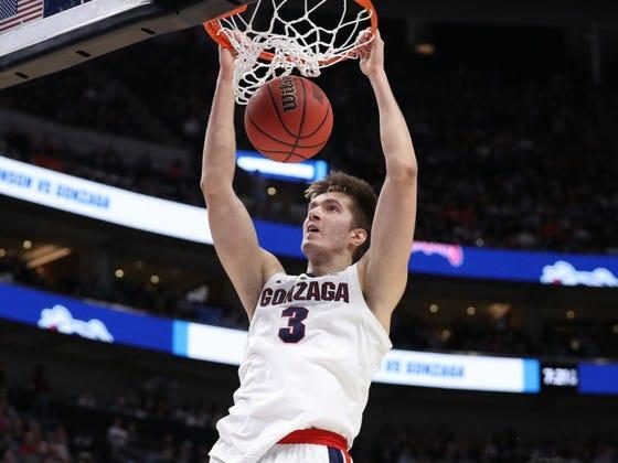 Favorites Galore (Plus an Underdog): 11/19 College Basketball Picks